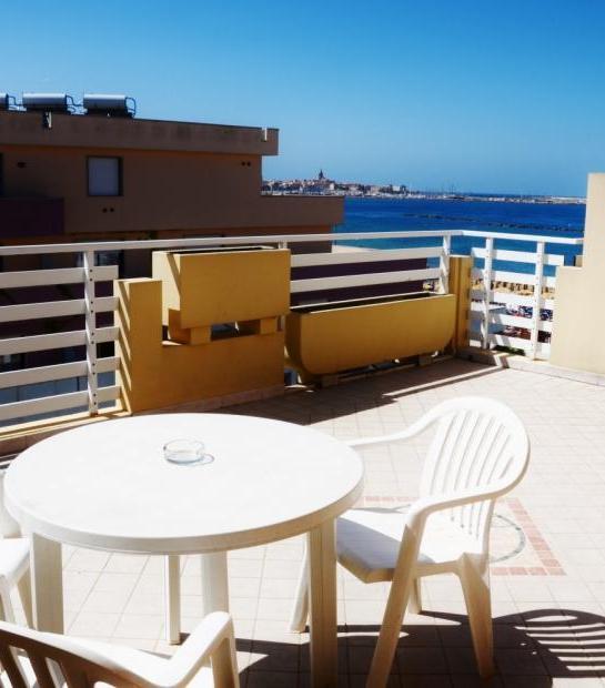 Sea_view_from_balcony.jpg